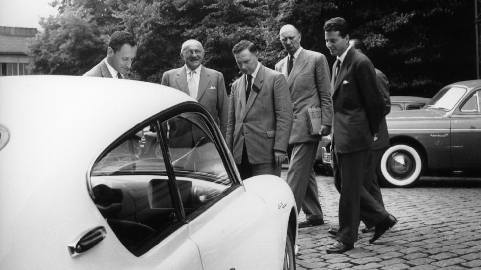 Lanzamiento Renault Alpine A 106