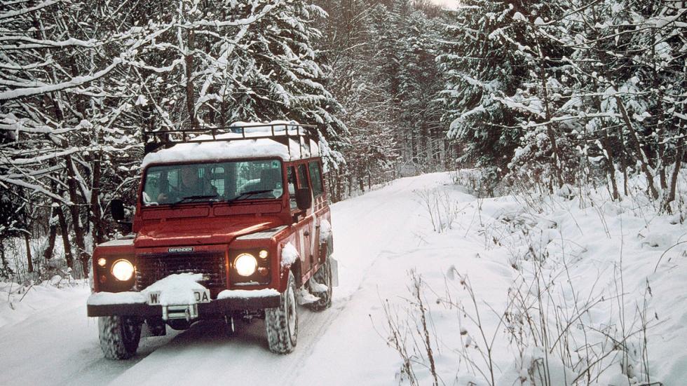 Land Rover Defender delantera