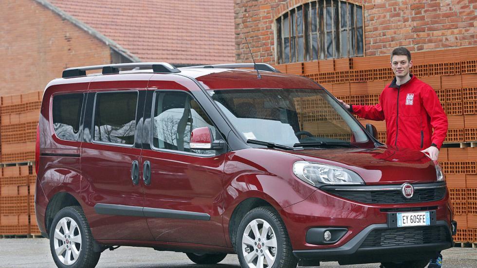 Fiat Dobló 2015 posado