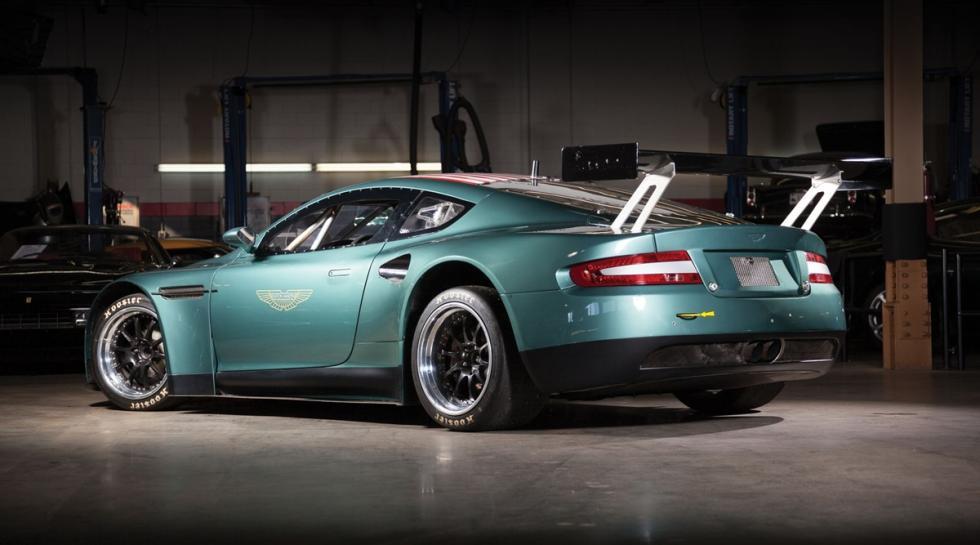 Un Aston Martin DBRS9 a subasta trasera