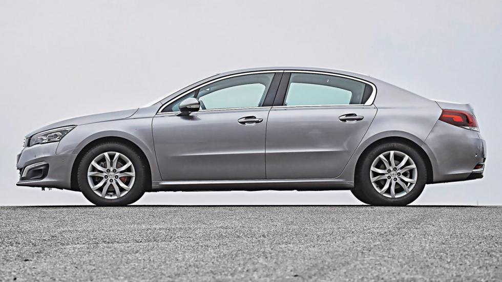 Lateral del Peugeot 508 Blue HDi 150