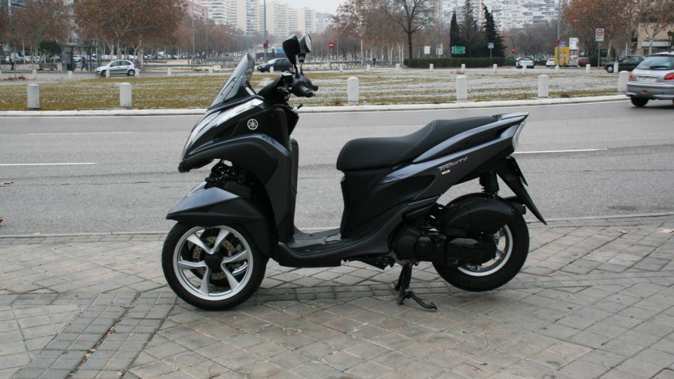 Yamaha-Tricity-125-lateral
