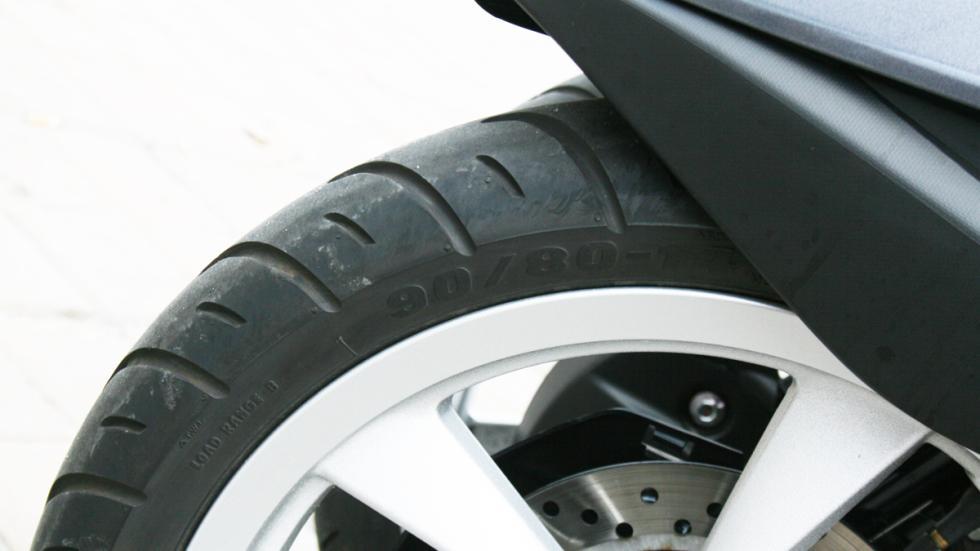 Yamaha-Tricity-125-ruedas