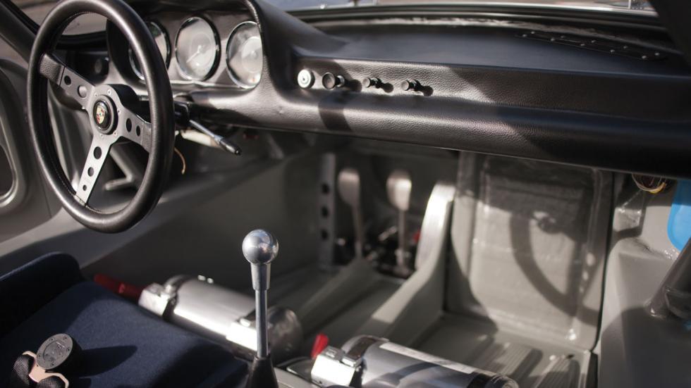Porsche 904 GTS interior