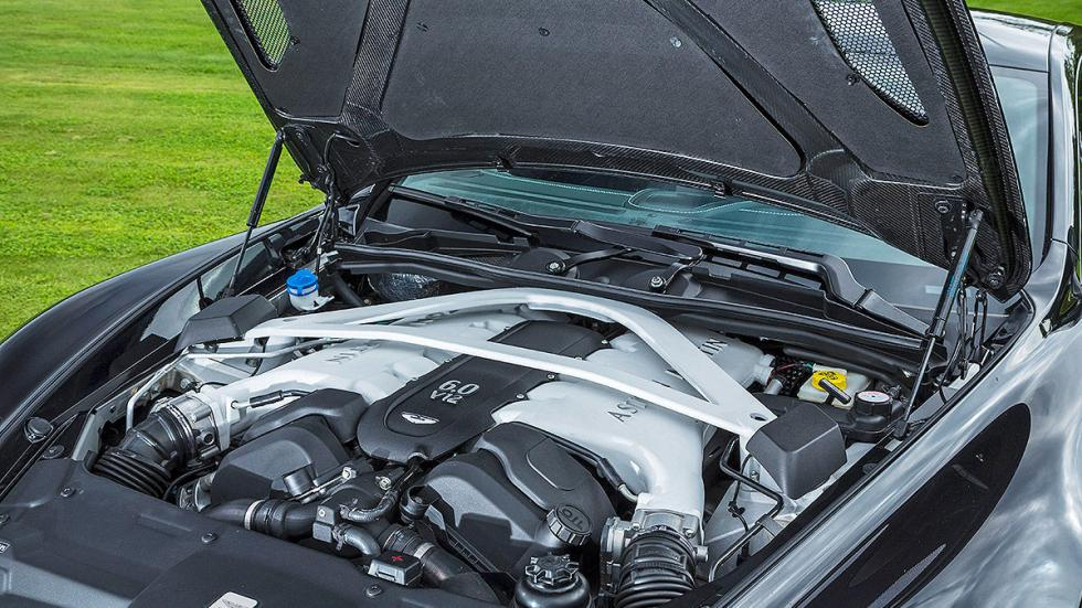 Aston Martin Vanquish detalle motor