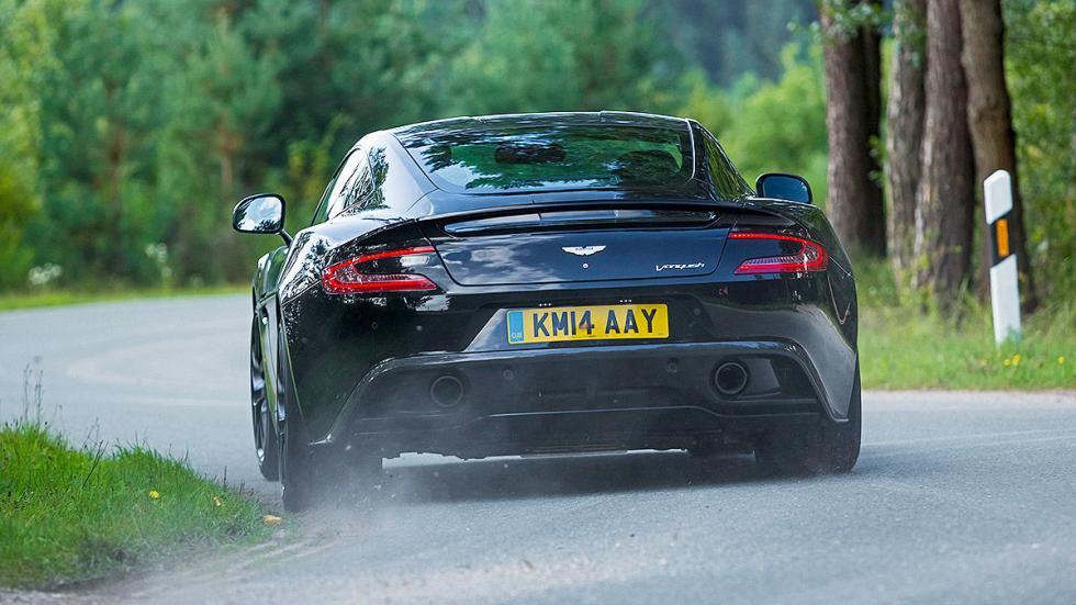 Aston Martin Vanquish detalle zaga