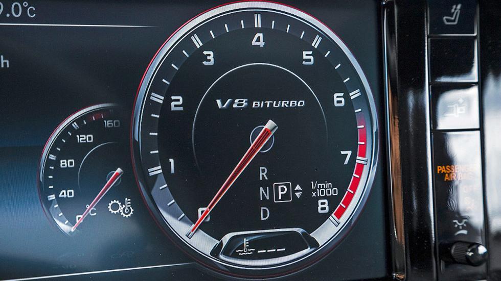 Mercedes S 63 AMG velocímetro