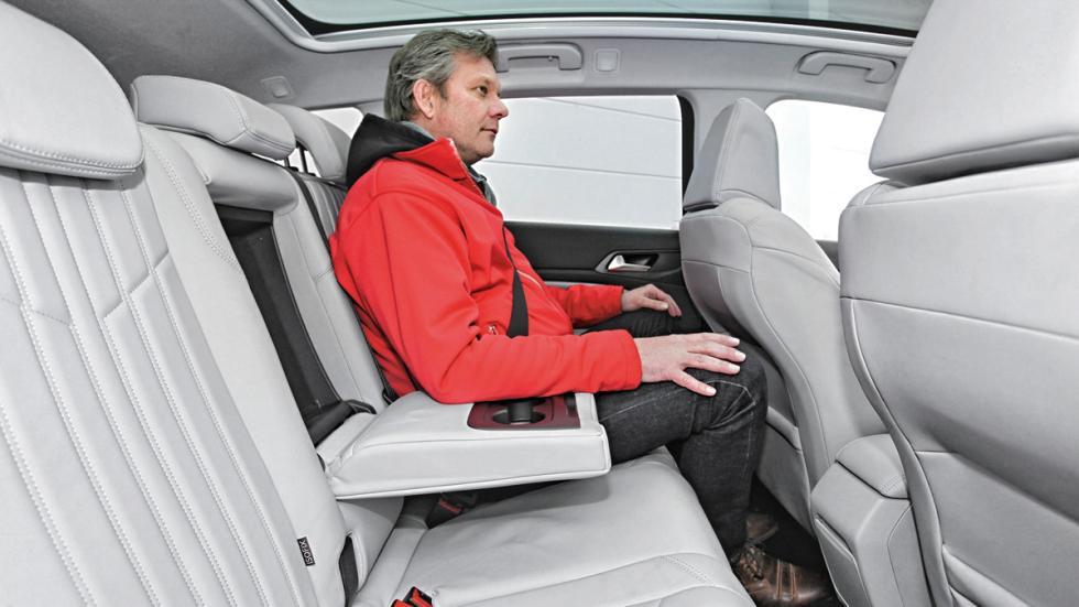 Peugeot 308 SW plazas traseras
