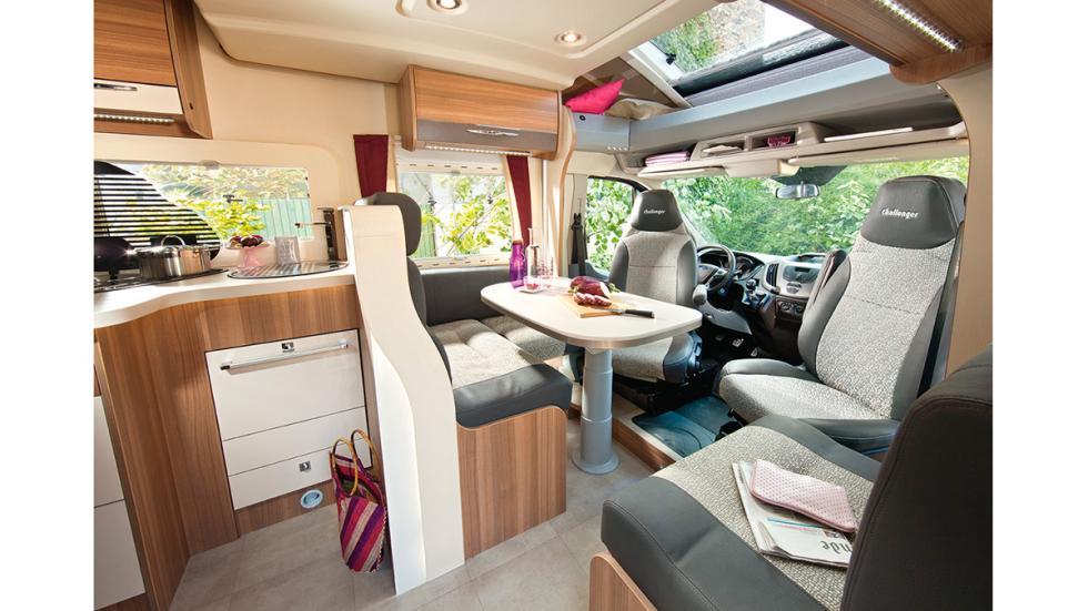 Ford Transit Callenger EB Mageo 398 - cabina