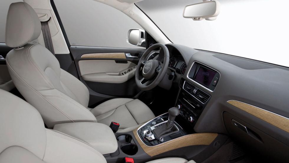 El Audi Q5 interior