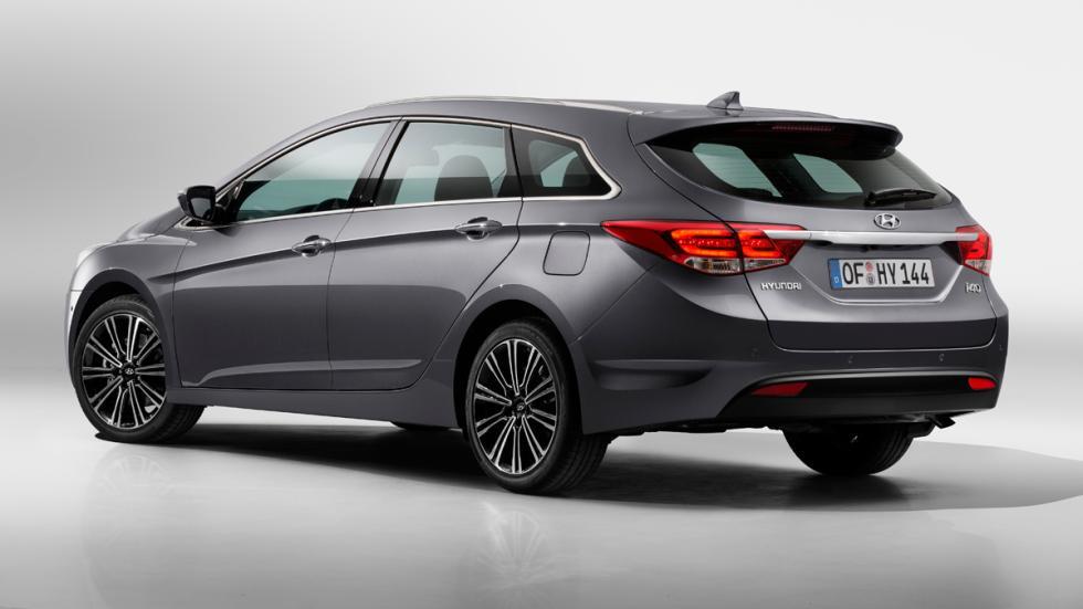 La mayor novedad en el nuevo Hyundai i40 2015 es la incorporación de un cambio a