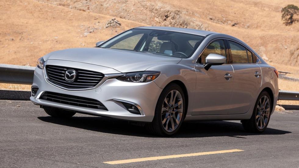 El Mazda6 2015 ha sido desvelado, junto al nuevo Mazda CX-3, en el Salón de Los