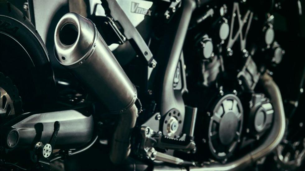 Yamaha-VMax-Infrared-JvB-Moto-chasis