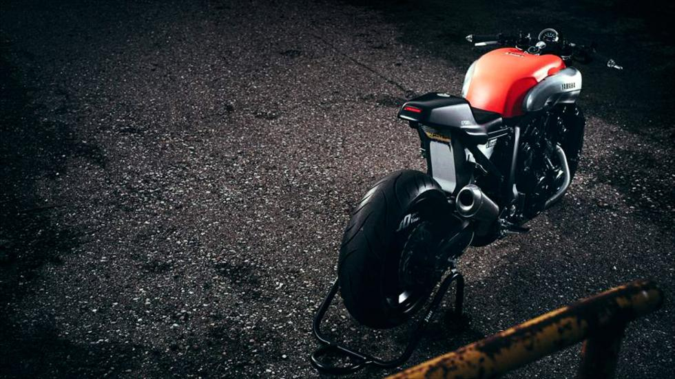 Yamaha-VMax-Infrared-JvB-Moto-trasera