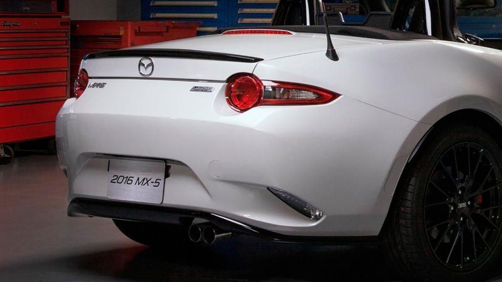 Mazda MX-5 Accesories Design Concept 2015 trasera