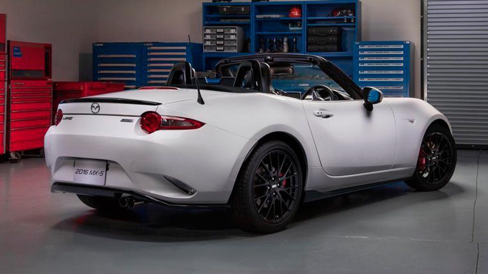 Mazda MX-5 Accesories Design Concept 2015 tres cuartos traseros