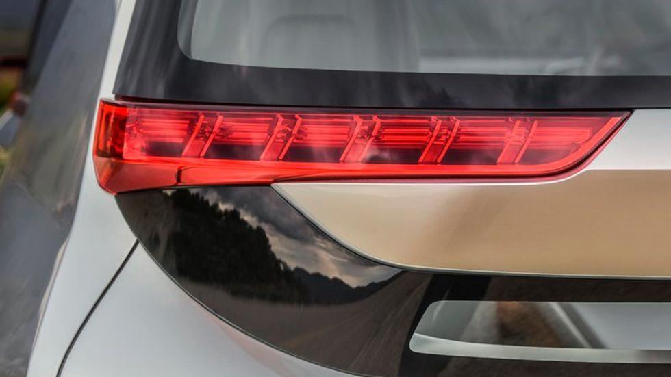 Mitsubishi GC-PHEV Concept faro trasero