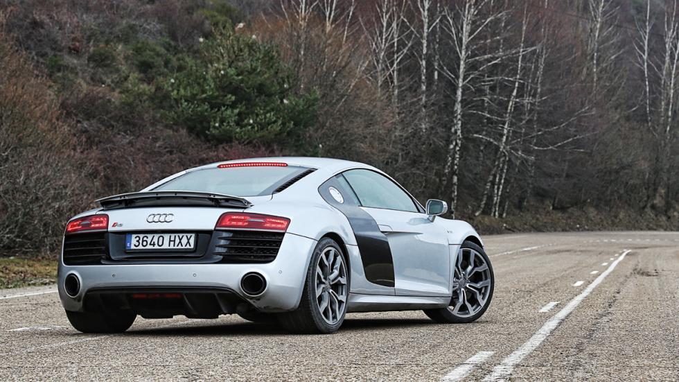 Audi R8 tres cuartos traseros