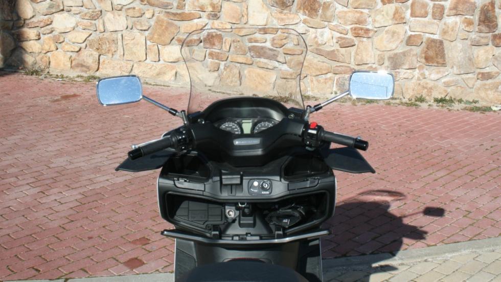 Suzuki-Burgman-400-guanteras
