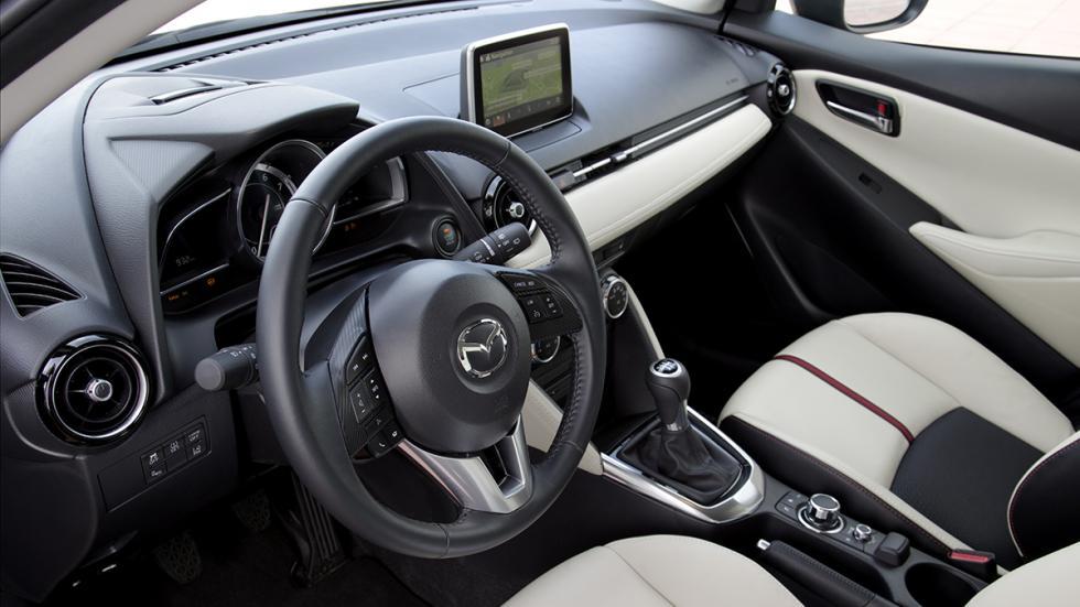 Amplio habitáculo para el Mazda2