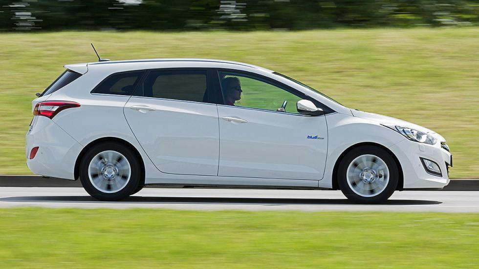 15: Hyundai i30 CrossWagon  528 - 1642 litros
