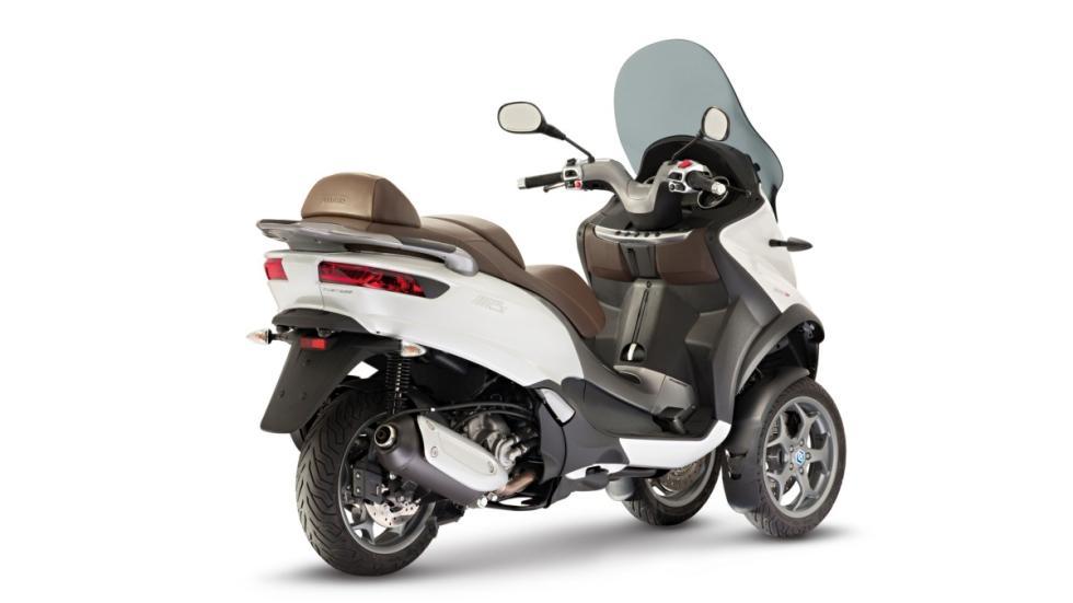 Piaggio-Mp3 300-LT-ABS-ASR-trasera