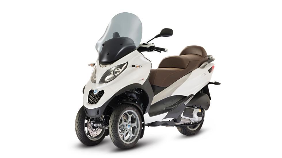 Piaggio-Mp3 300-LT-ABS-ASR-trasera-delantera