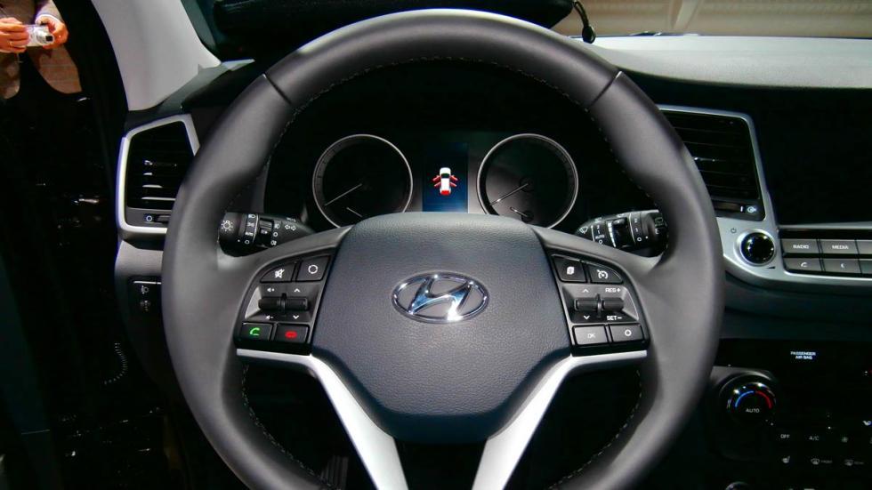 Hyundai Tucson 2015 volante