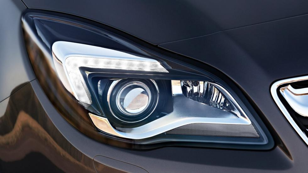 coches-luces-mas-deslumbran-Opel-insignia-faro