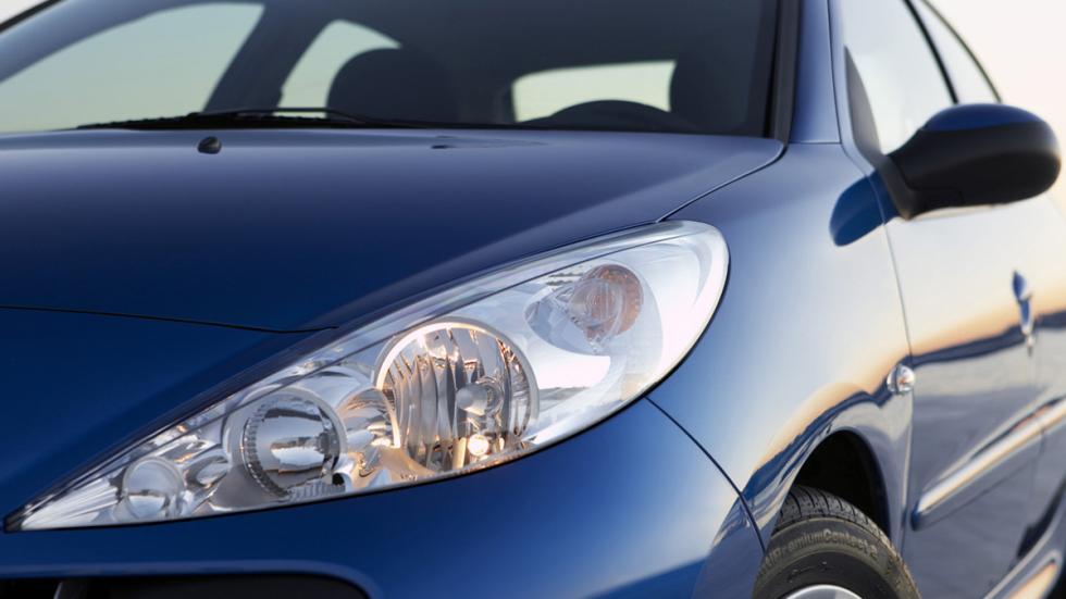 coches-luces-mas-deslumbran-peugeot-206-faro