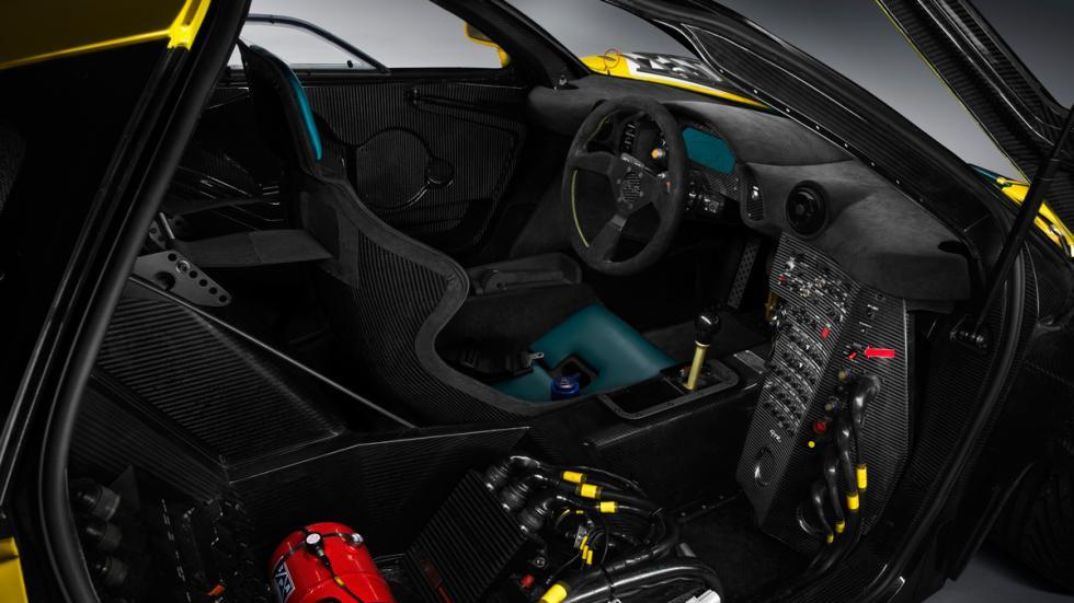 McLaren P1 GTR clásico interior