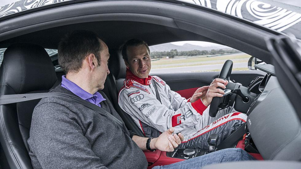 Audi R8 2015 interior
