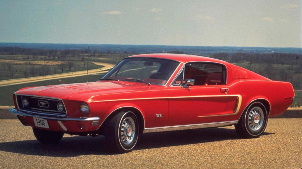 Bullit - Ford Mustang GT390 rojo