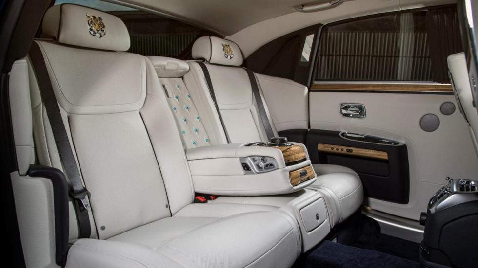Rolls-Royce_Ghost_Mysore_Collection_plazas_traseras