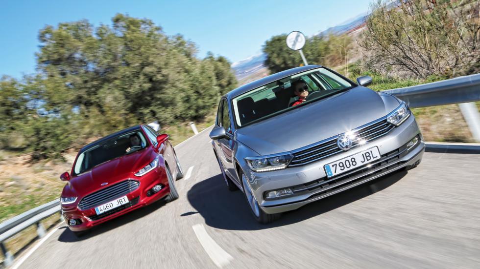 Delantera Ford Mondeo contra Volkswagen Passat