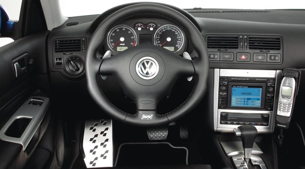 mejores-coches-con-dsg- Volkswagen-Golf-R32-zaga