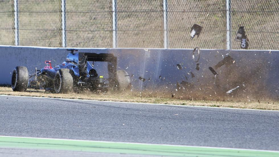 accidente-fernando-alonso-barcelona-lateral