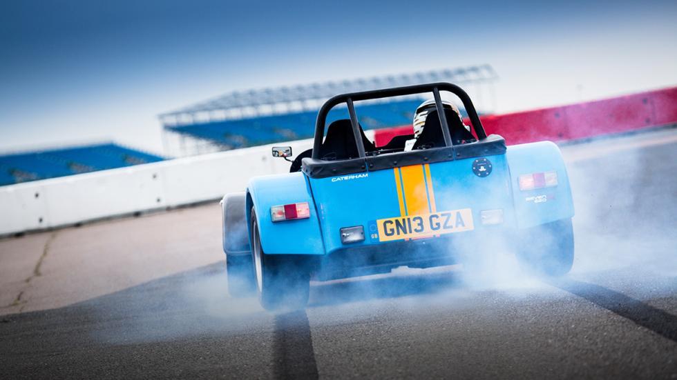 coches-mejor-relacion-diversion-precio- Caterham-super7-zaga