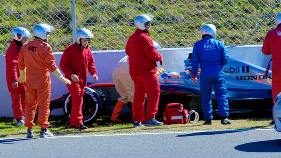 asistencias-accidente-alonso-barcelona