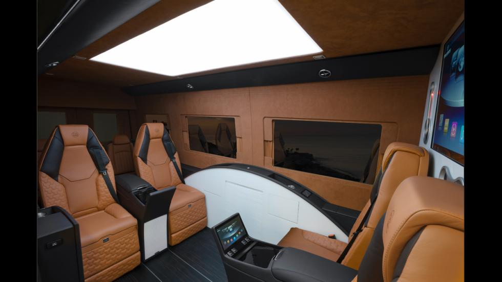 Mercedes Sprinter Limousine Brabus - bandejas plegadas
