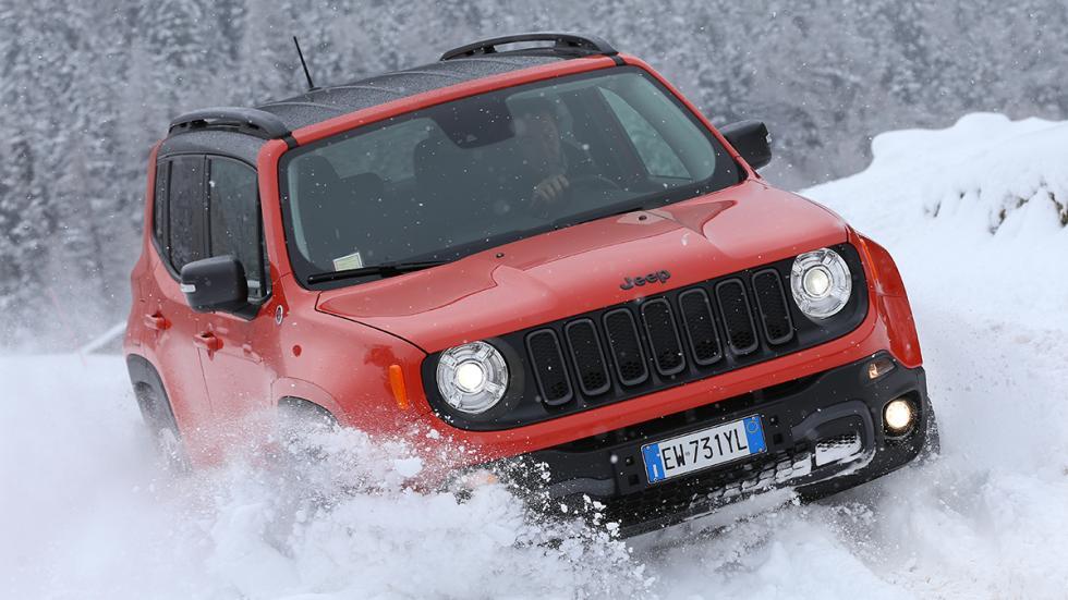 Jeep Renegade en hielo y nieve espectacular
