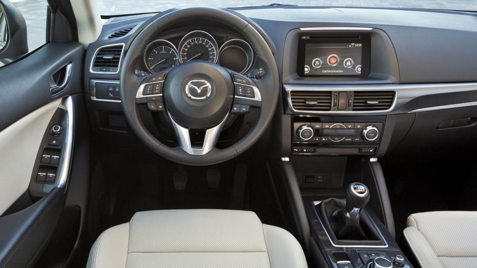 Nuevo_Mazda_CX-5_2015_interior