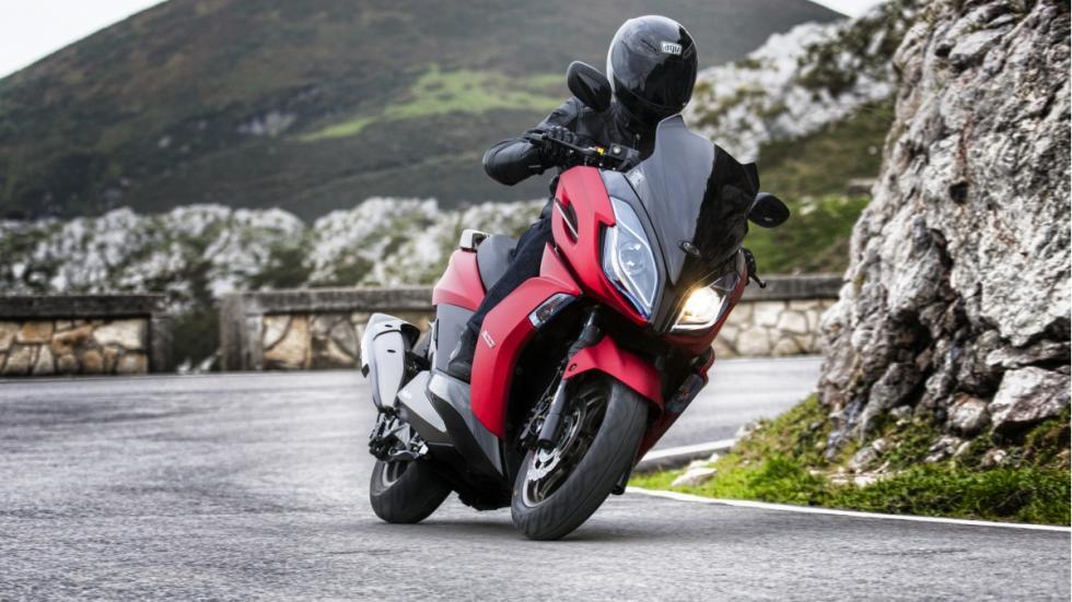 Kymco-por-seguridad-en-2015-scooter