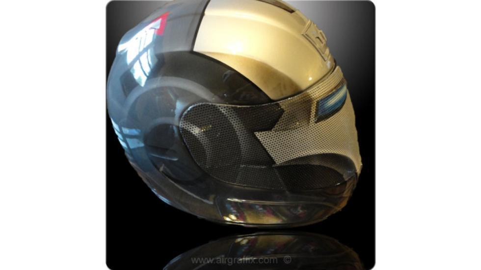 16-cascos-personajes-ficción-ironman-negro