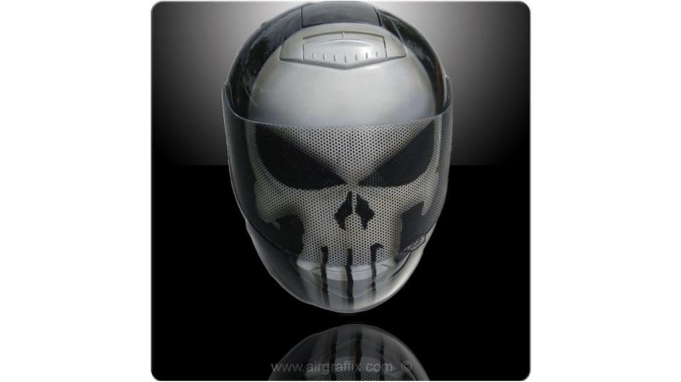 16-cascos-personajes-ficción-muerte