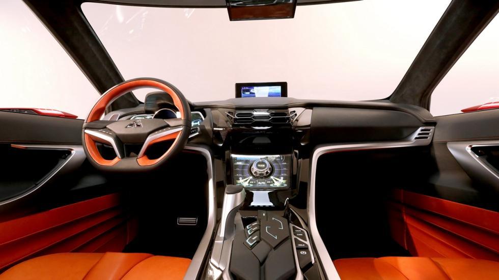 Mitsubishi_XR-PHEV_II_interior