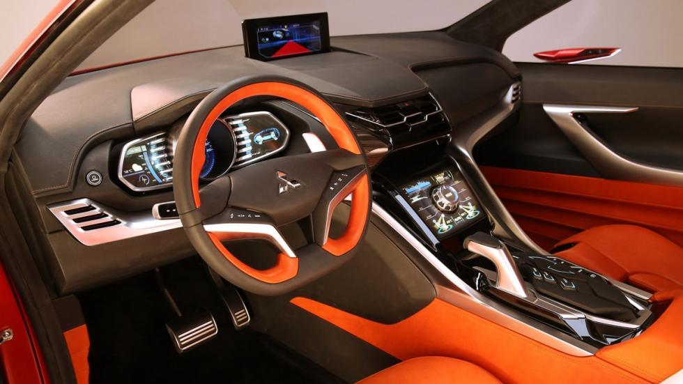 Mitsubishi_XR-PHEV_II_interior_2