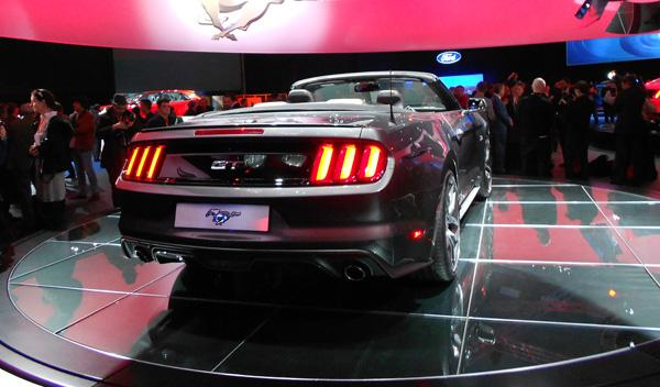 ford mustang 2015 cabrio trasera