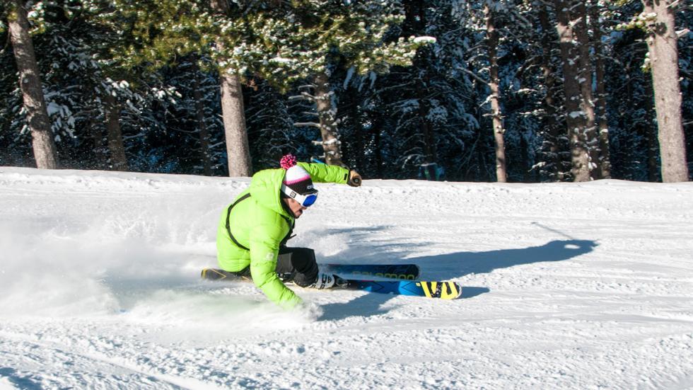 Mejores estaciones esquí españa cerler esquiador