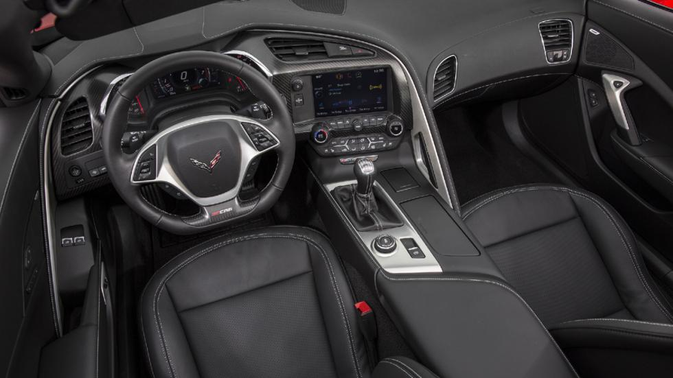 Chevrolet-Corvette-Z06-2015-interior